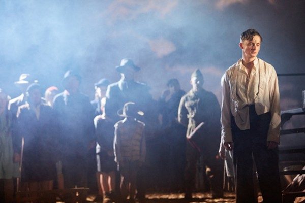 a review of the story an inspector calls Dolphin theatre's an inspector calls is beautifully presented,  bww review:  an inspector calls at dolphin theatre  stories shows.