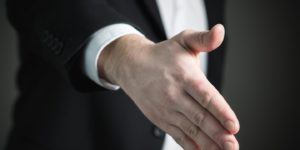 handshake-2056021_1920